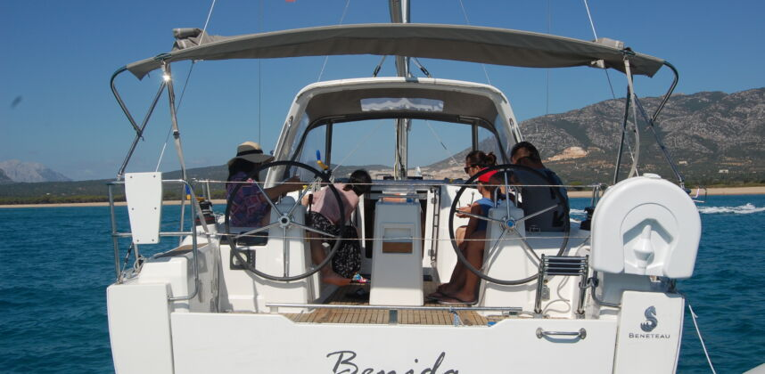Sailing Boat charter experience – daily excursions and mini cruise in the Gulf of Orosei.